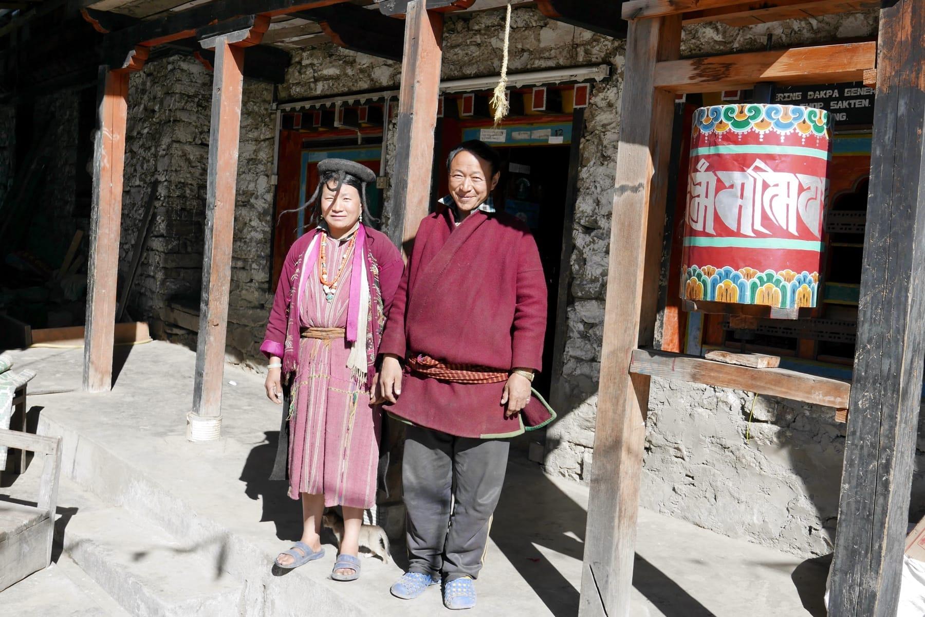 Händler-Ehepaar-in-Sakteng